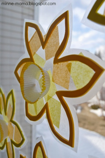Daffodil-suncatcher